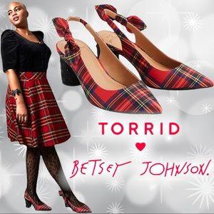 TORRID BETSEY JOHNSON RED CYLINDER HEEL PUMP (WW) Wide width NEW